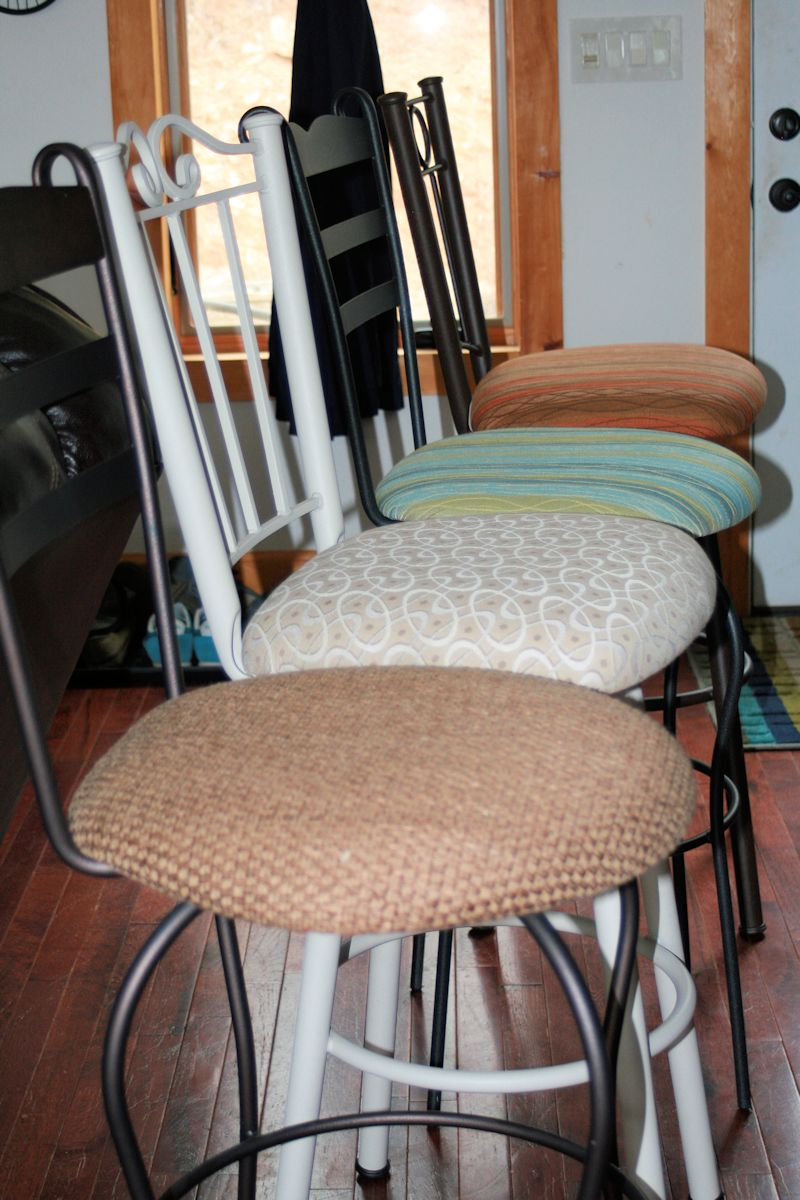 mismatched_stools