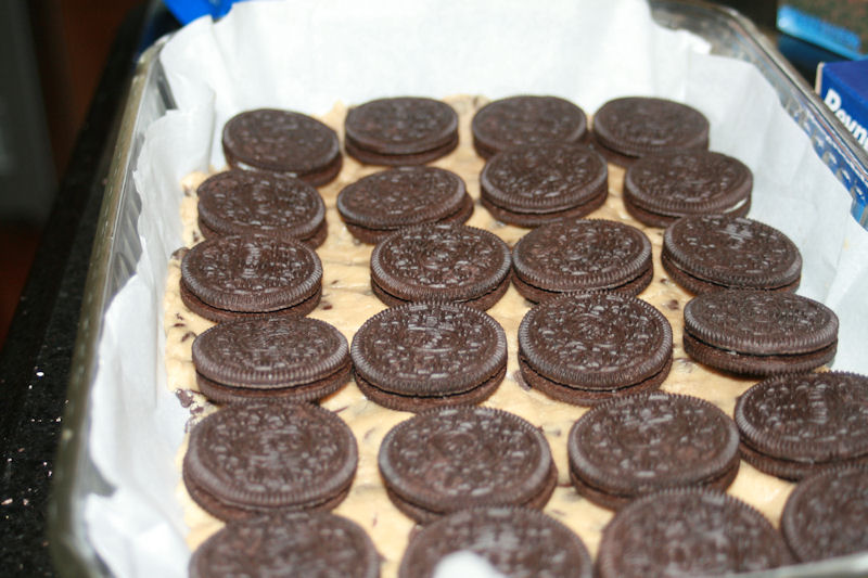 Place Oreos in rows